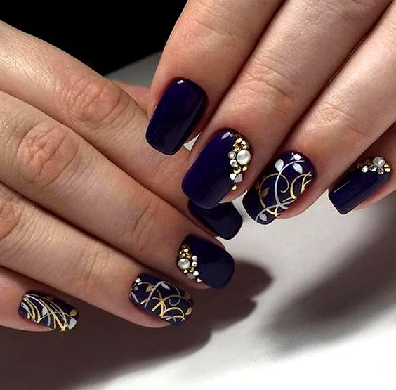 Unhas bonitas e decoradas com Strass (12)