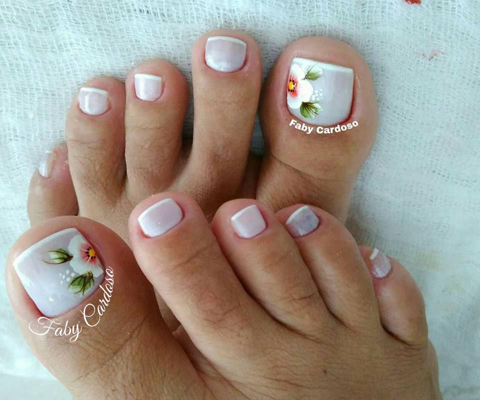 unhas decoradas Para pés branquinho