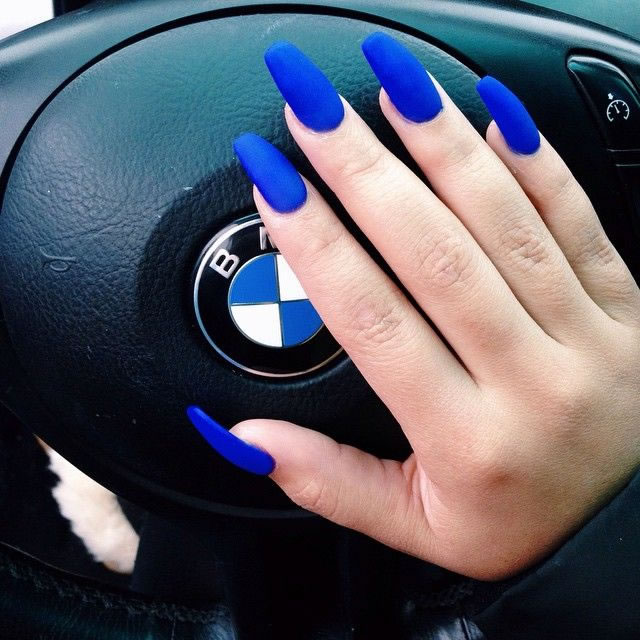 Unhas Azuis