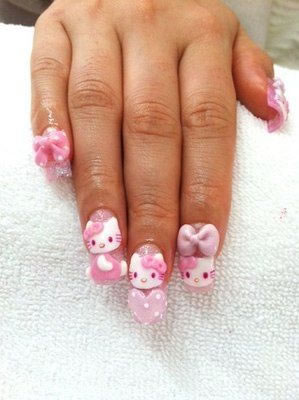 Unhas Decoradas com Hello Kitty