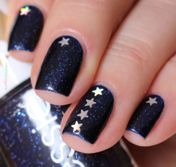 Unhas com estrelas