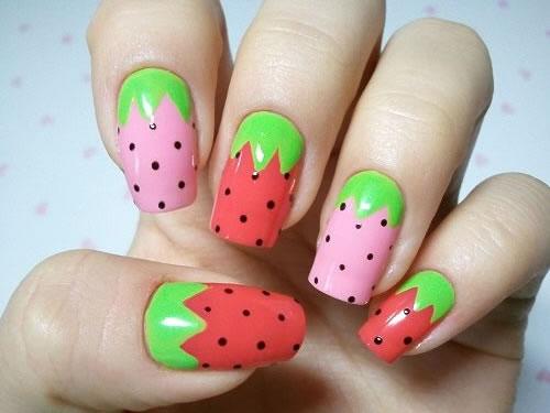 Unhas decoradas com frutas