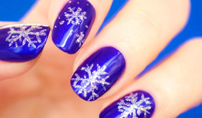 Deixe Nevar (Unhas com flocos de neve)