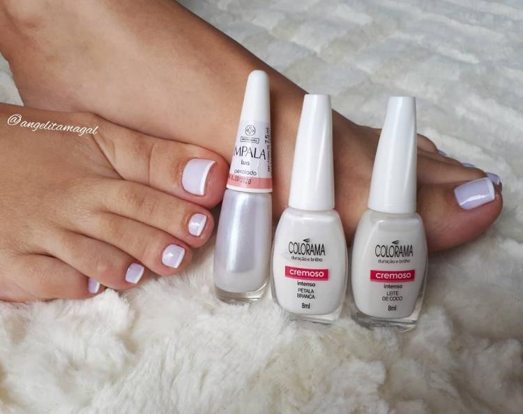 Combinações de esmalte brancos para a unha nunca manchar