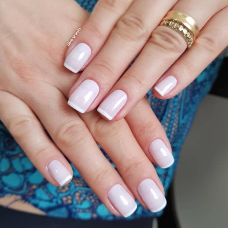 Combinações para unhas francesinhas, veja os esmaltes usados pelas manicures13