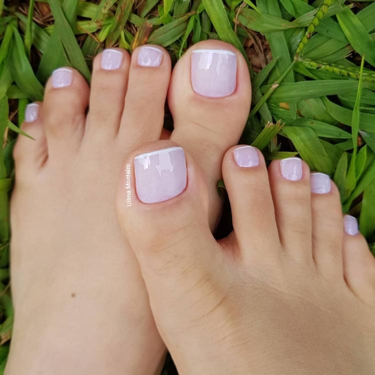 Combinações para unhas francesinhas, veja os esmaltes usados pelas manicures19
