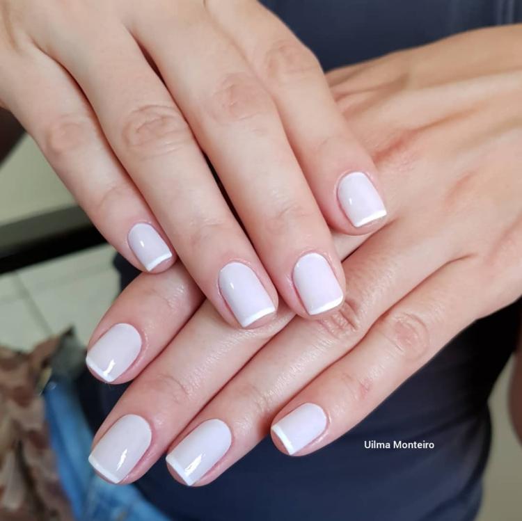 Combinações para unhas francesinhas, veja os esmaltes usados pelas manicures21