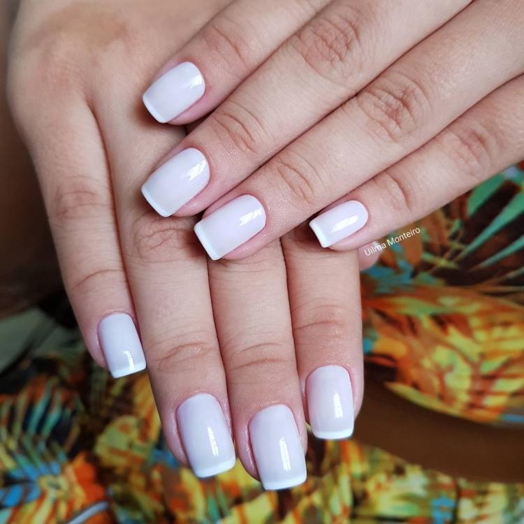 Combinações para unhas francesinhas, veja os esmaltes usados pelas manicures22
