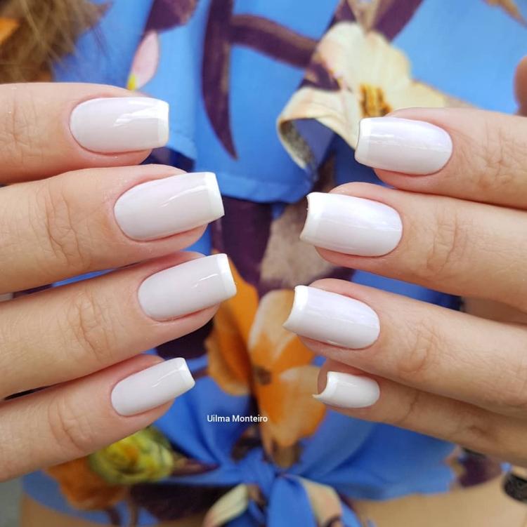 Combinações para unhas francesinhas, veja os esmaltes usados pelas manicures6