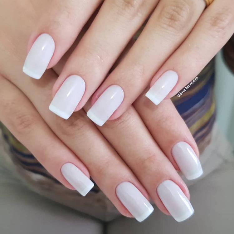 Combinações para unhas francesinhas, veja os esmaltes usados pelas manicures7