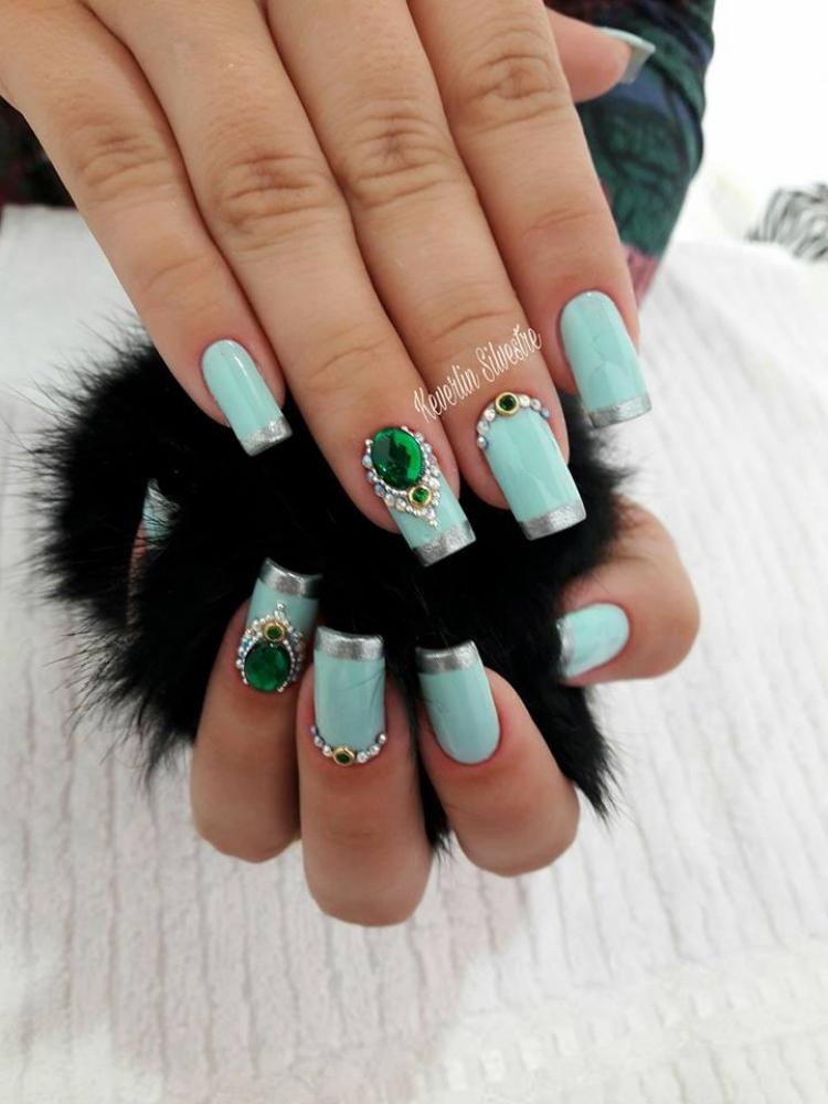 Fotos de Unhas francesinhas decoradas por manicures do Brasil