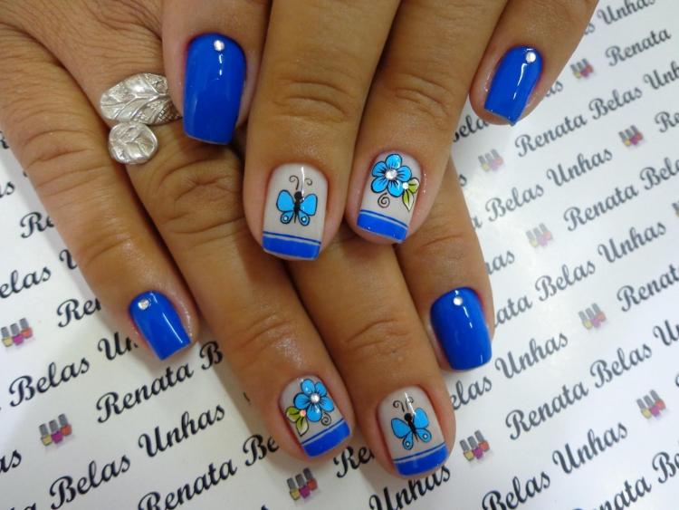 Modelos de Unhas Decoradas com esmalte Azul