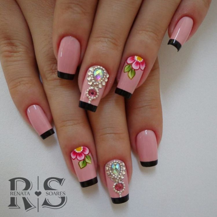 19 Modelos de unhas decoradas com esmalte rosa, veja todos