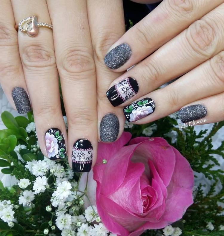 18 Fotos de Unhas decoradas com Glitter