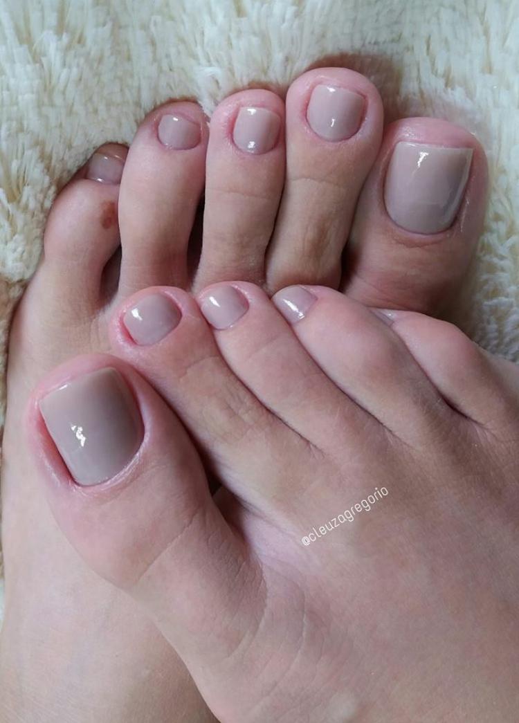 Combinações de cores para unhas dos pés22