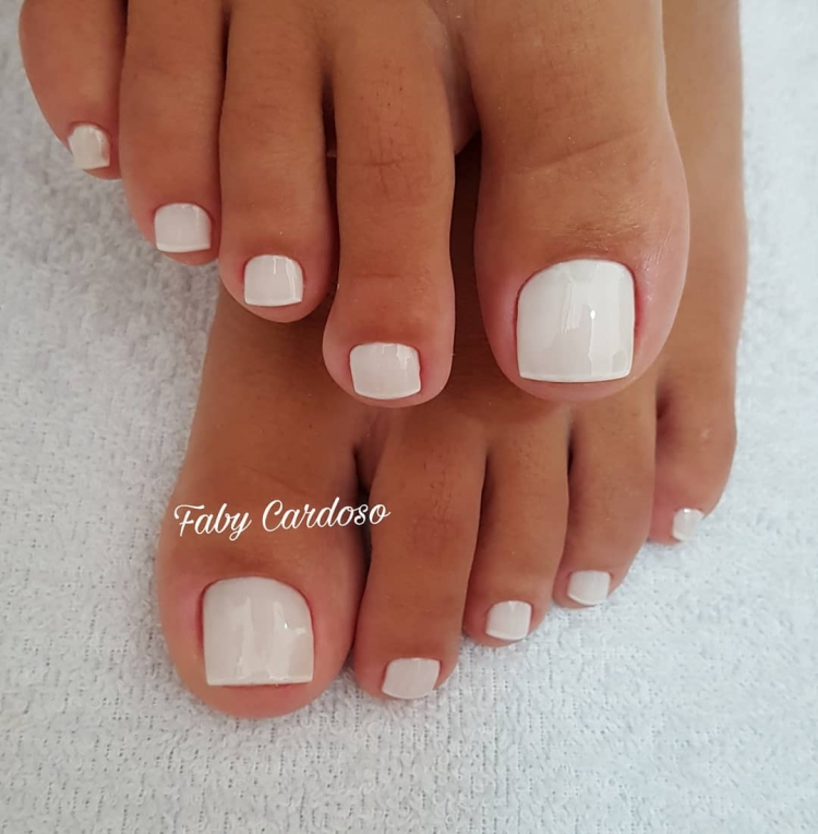 Melhores modelos de unhas dos pés que toda a manicure deveria saber decorar13