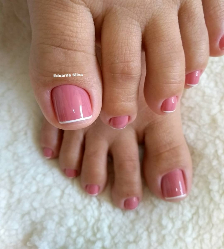 Melhores modelos de unhas dos pés que toda a manicure deveria saber decorar8