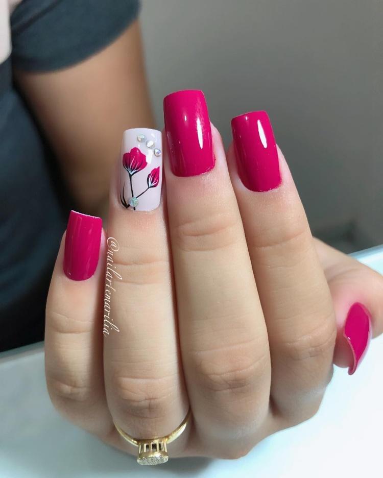 Unhas com esmaltes rosa, as melhores do ano