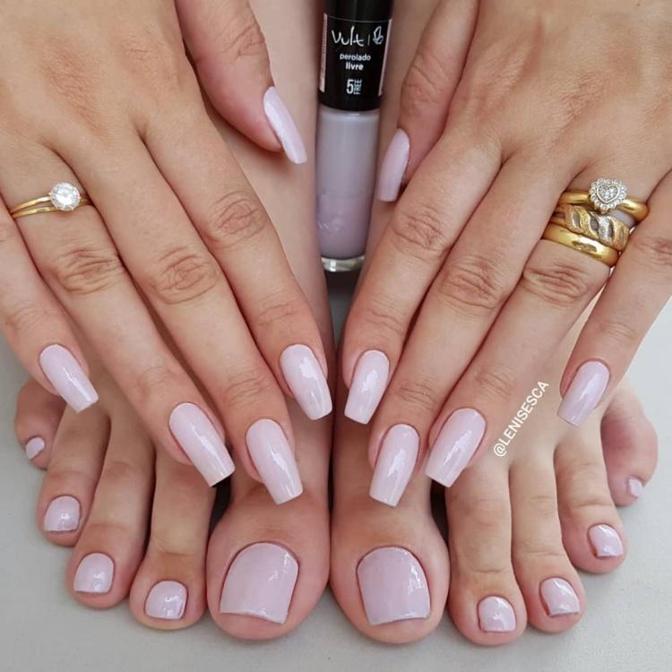 19 Melhores cores para unhas das mãos e dos pés