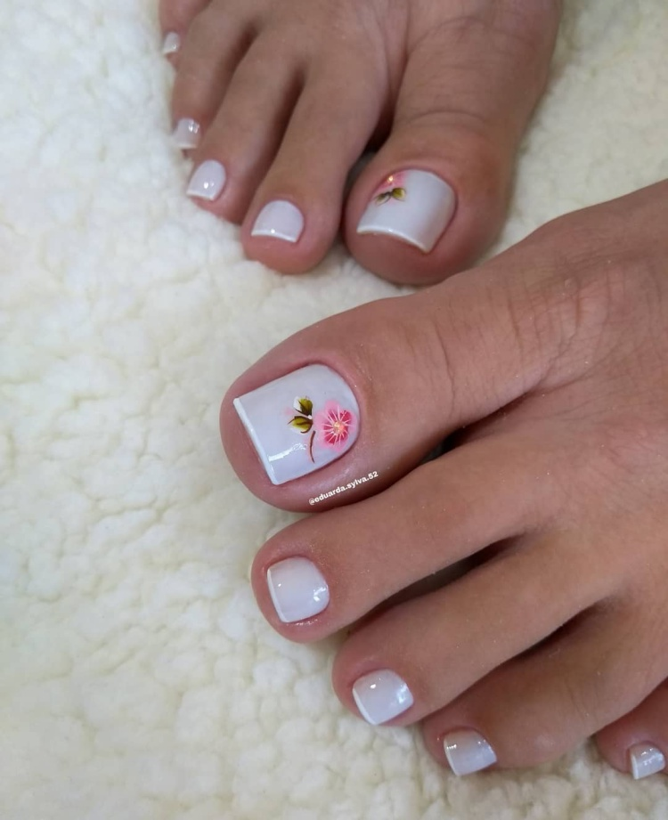 Fotos de combinação de diferentes esmaltes brancos16