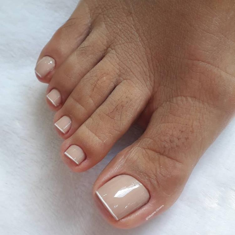 Unhas dos pés maravilhosas com esmalte nude, veja as melhores fotos18