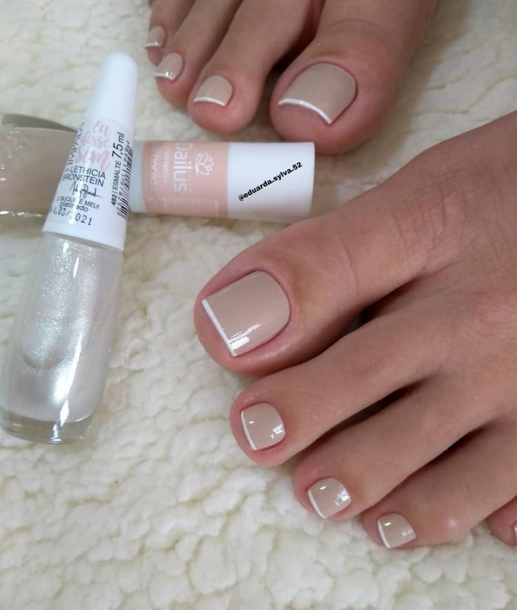 Unhas dos pés maravilhosas com esmalte nude, veja as melhores fotos