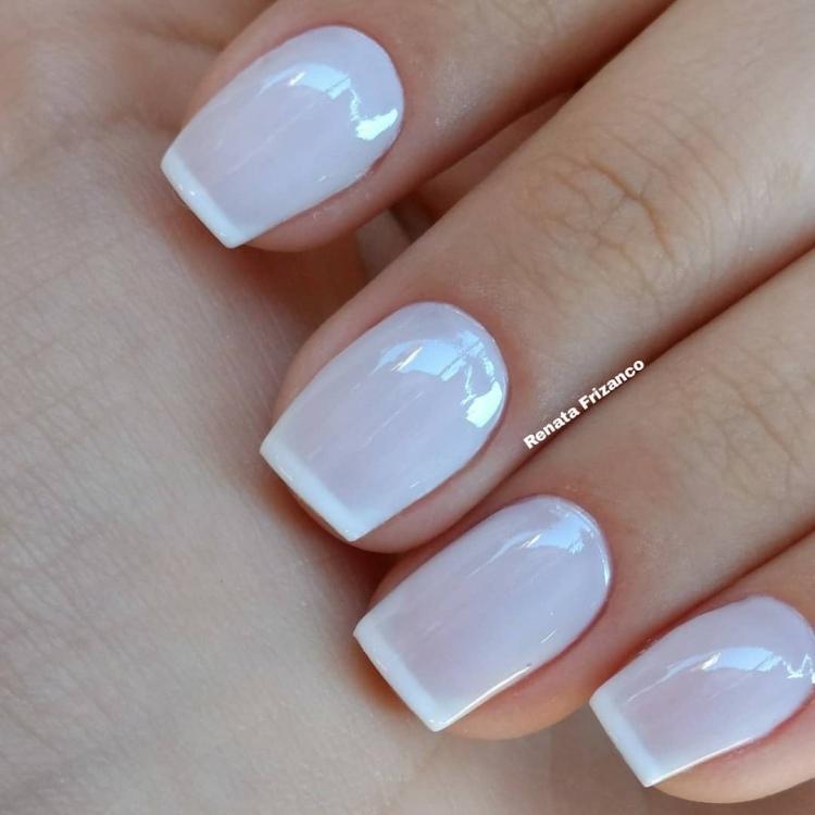 22 Unhas pintadas de branco com combinações de esmaltes10