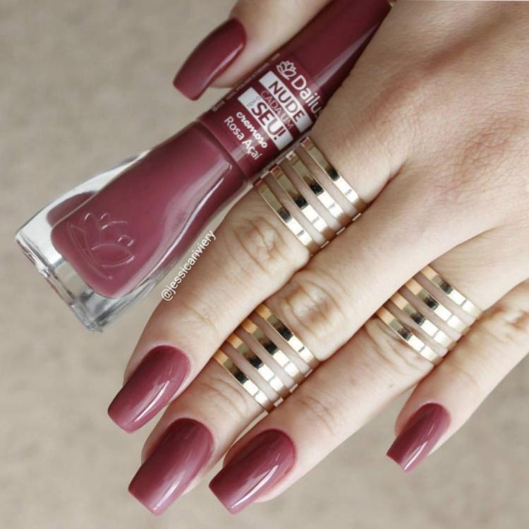 Fotos e modelos de unhas com esmaltes Dailus