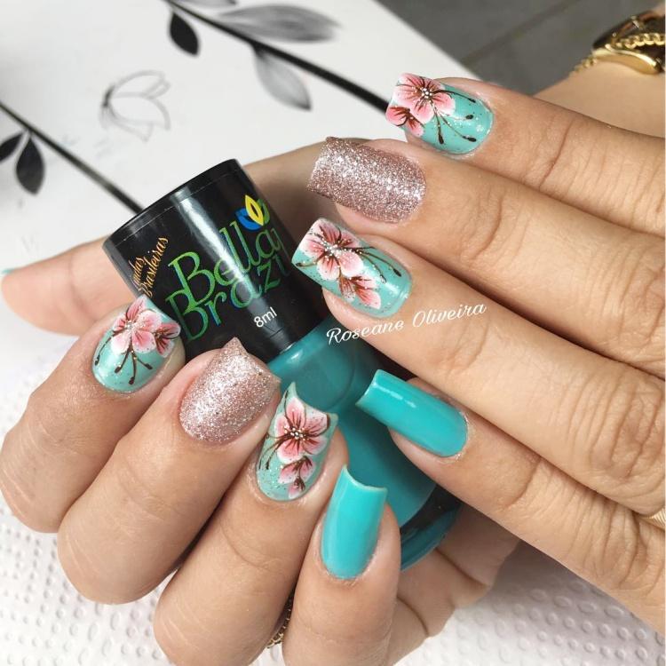 18 Modelos de Unhas decoradas com florezinhas