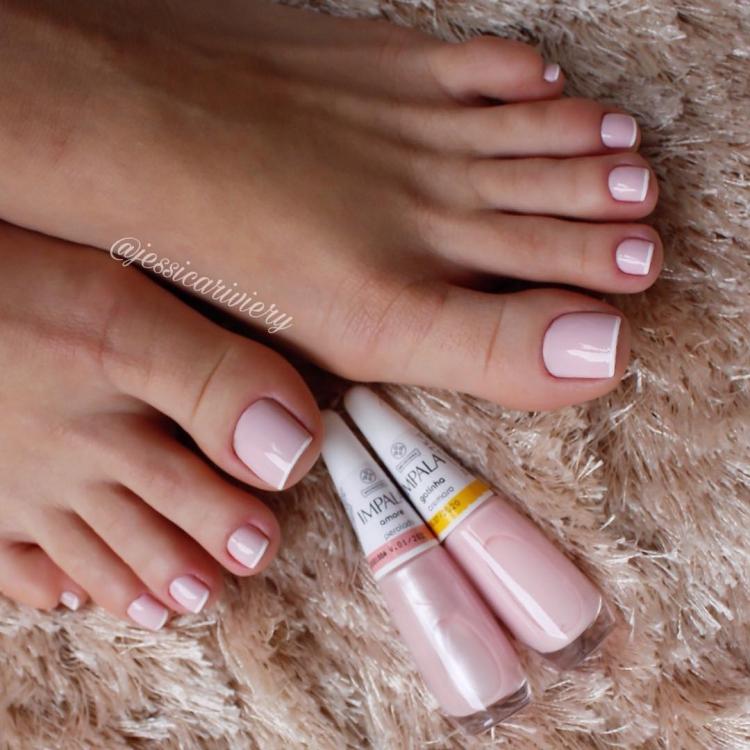 19 Fotos de unhas inglesinhas nos pés perfeitas para você se inspirar5