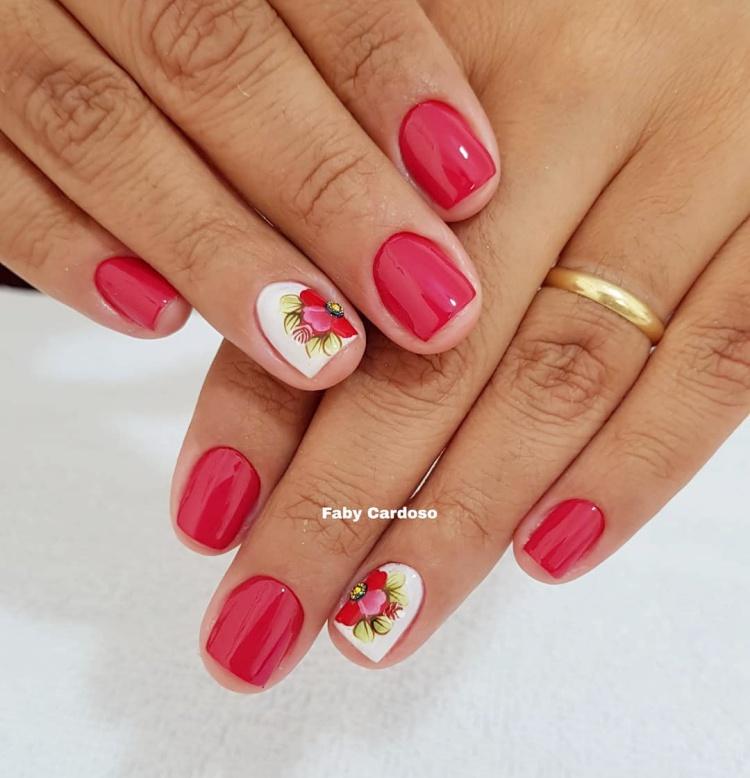Unhas decoradas com Jóias, inspiração, manicure Faby Cardoso