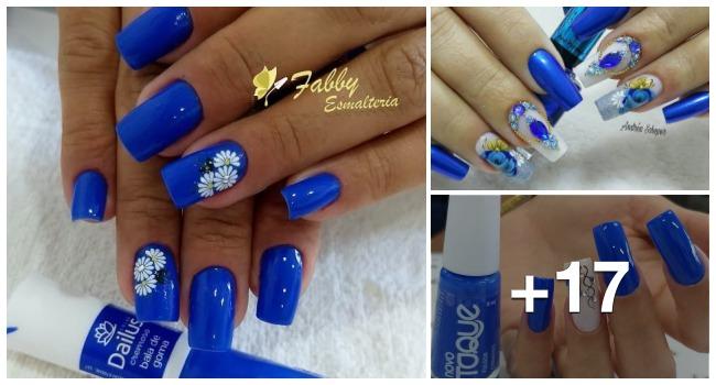 Unhas com esmalte azul1.1