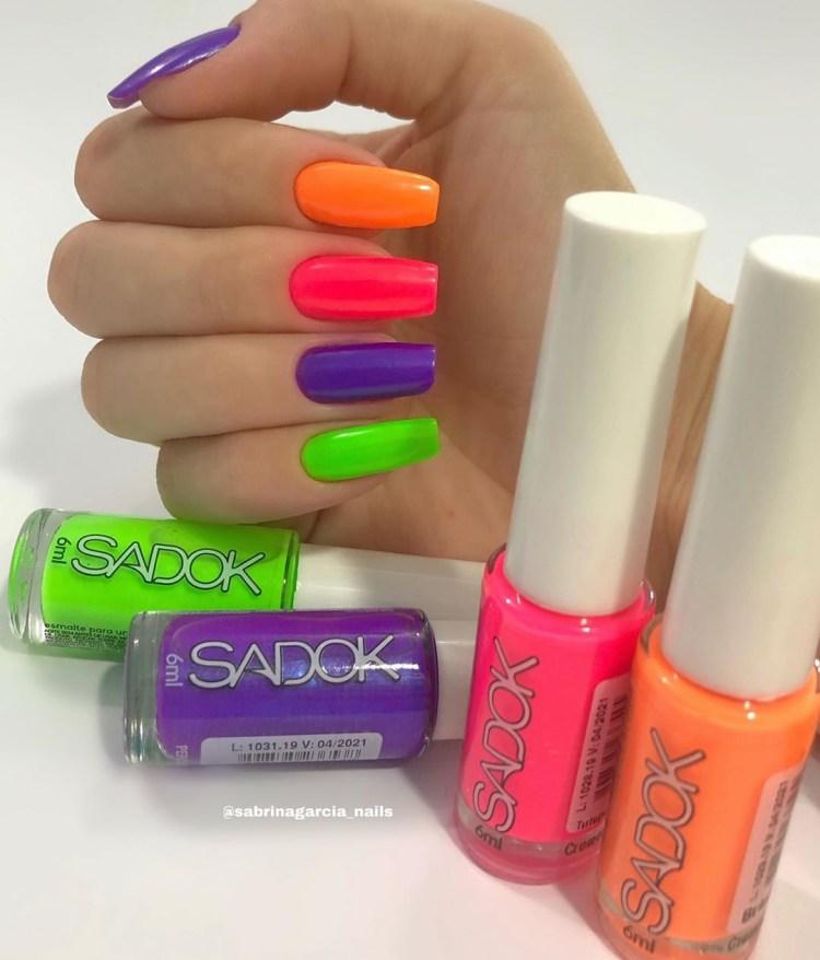Unhas decoradas com nova tendencia Candy Color