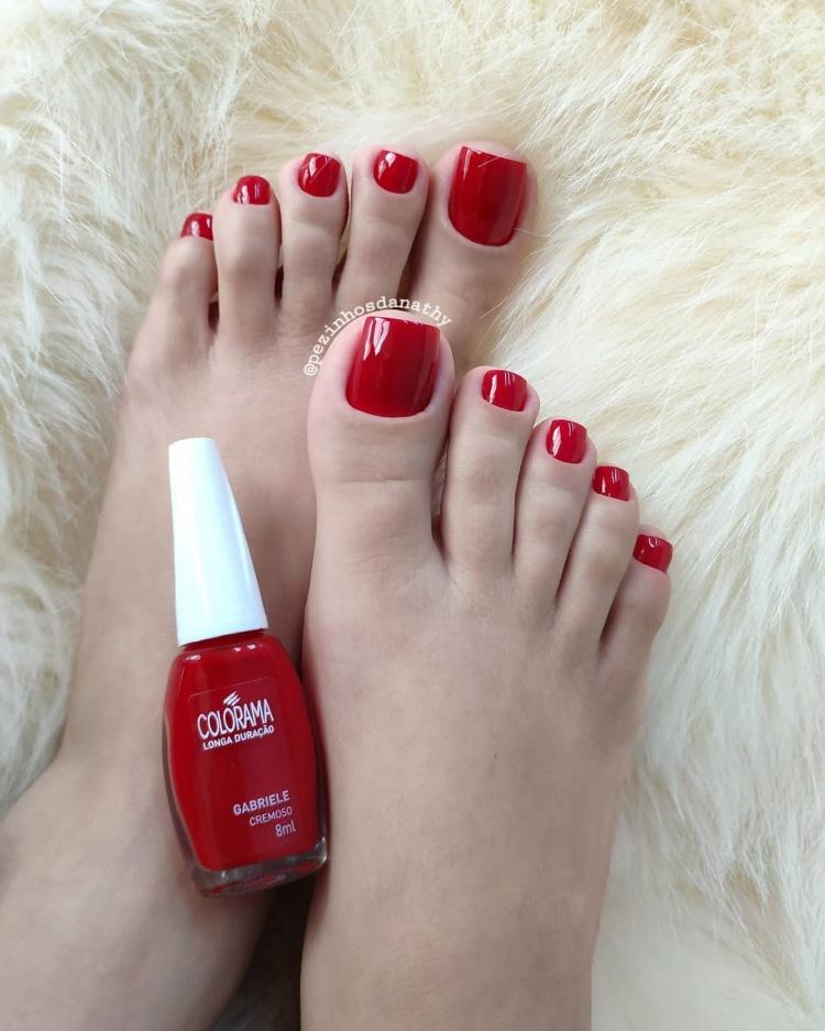 18 Unhas esmaltadas de vermelho, olha que chame