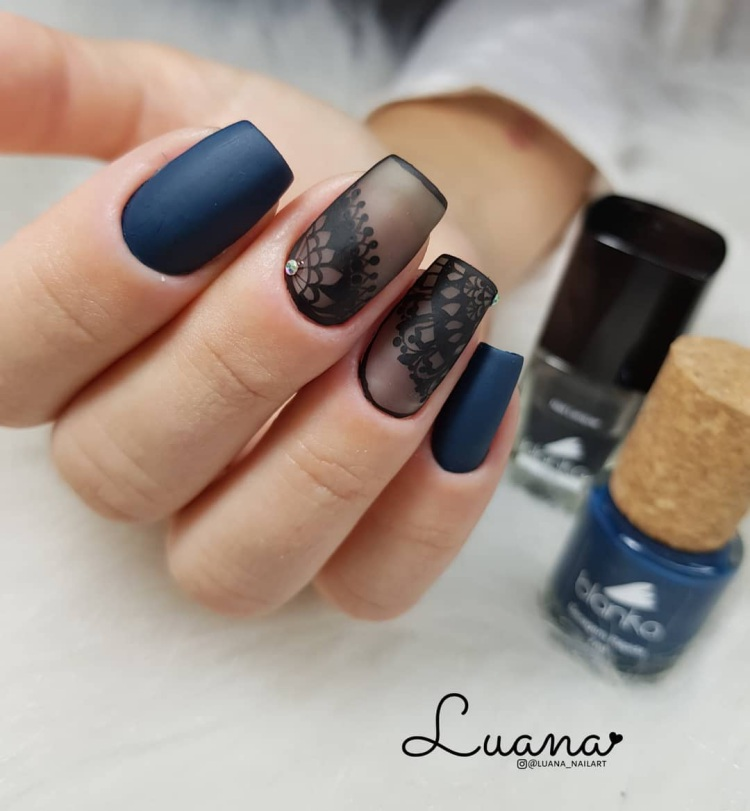 Unhas transparent black