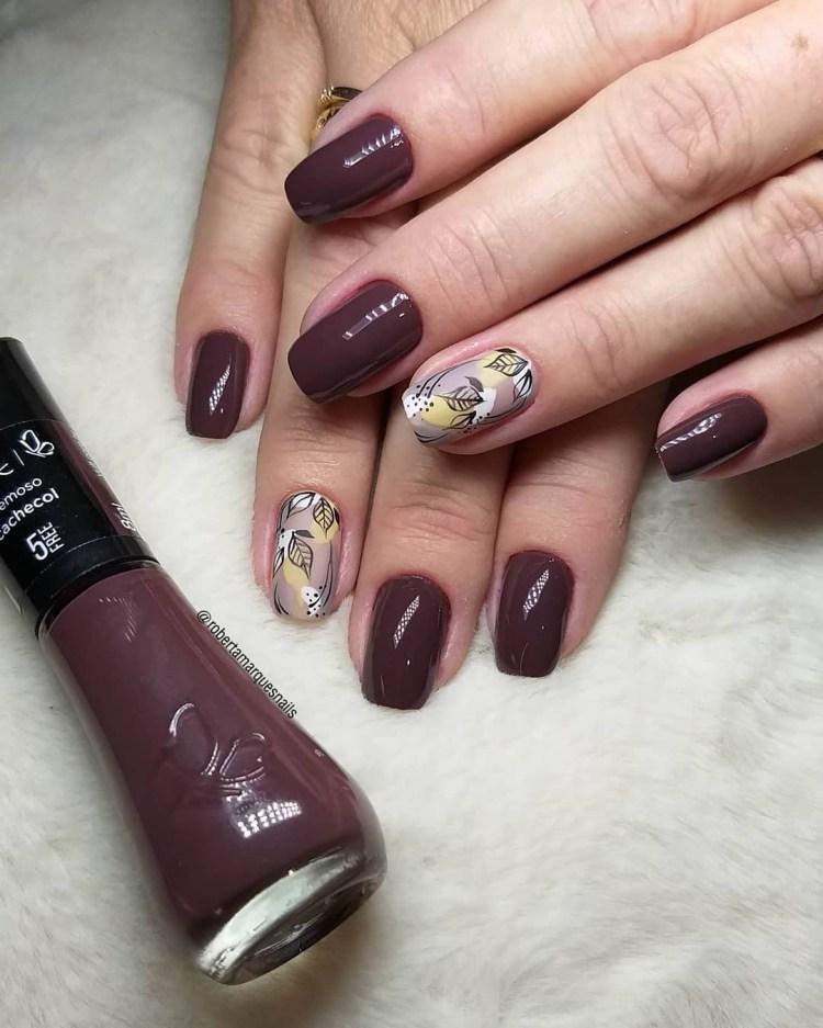 Modelos de unhas decoradas com cores escuras