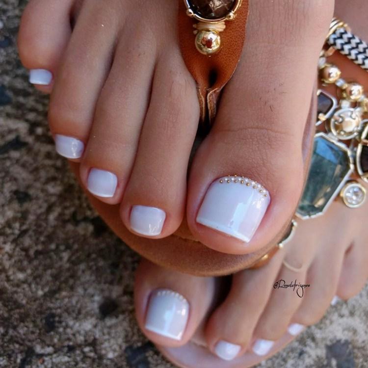 Unhas dos pés com joias721