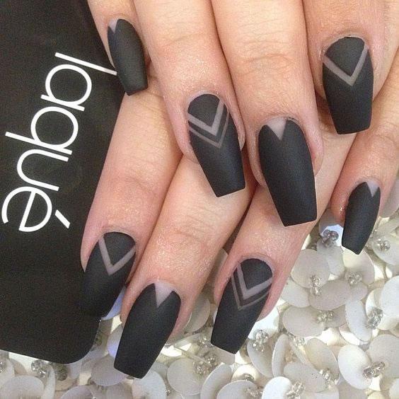 Unhas pretas